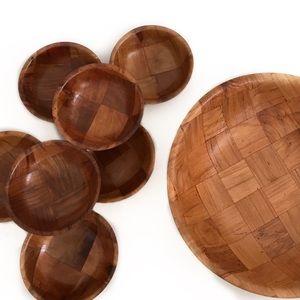 Bundle of 8 wooden serving bowls